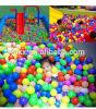 Esferas macias coloridas coloridas do poço do oceano para o jogo
