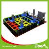 Parque de salto livre do Trampoline do parque interno com jogos do curso de Ninjia