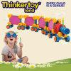 Juguetes creativos del bloque hueco para los niños en la forma de tren