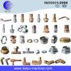 Diverses garnitures de pipe en métal de normes