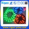 LEDsが付いている長いRGB LEDのストリップ