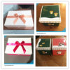 GiftsおよびWeddingのためのRibboned Cardbard Gift Box