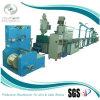 Equipamento/máquina expulsando da extrusão do cabo distribuidor de corrente do uso
