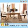 Tabelas e cadeiras de madeira luxuosas do restaurante para o hotel