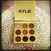 Gama de colores de la sombra de ojo del polvo presionado de Kyshadow del sombreador de ojos de Kylie