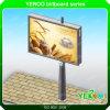 Movimiento en sentido vertical del borde de la carretera que hace publicidad de la cartelera galvanizada de la placa