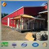 Gruppo di lavoro della struttura d'acciaio con la lamiera di acciaio rossa per la fabbricazione