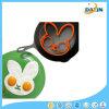 O silicone do coelho fritou o molde do ovo