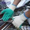 Перчатка ладони латекса Crinkle низкой цены Nmsafety покрытая