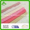 Der gebleichte grundlegende gefärbte Körper falten elastisches Farbband zusammen