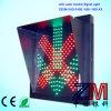 Luz de indicador da pista da entrada de automóveis/seta do verde cruz vermelha para a estação do pedágio