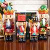 De nieuwe Standbeelden van de Koning van de Notekraker van de Hars van Kerstmis van de Ambachten van de Hand van het Ontwerp