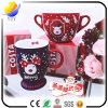 Caneca agradável do Natal do teste padrão da cerveja com colher vermelha (caneca cerâmica relativa à promoção do presente do Natal)