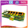 Viale dell'interno del negozio della buona sosta del trampolino (QL-17-15)