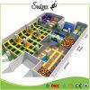 Parque interno enorme popular do Trampoline, parque de diversões