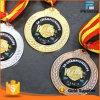 Het in het groot Af:drukken van het Embleem van de Douane op de Gouden Zilveren Medaille van het Koper
