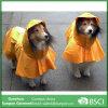 De waterdichte Regenjassen van de Hond met Kap