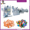 Máquina dos doces com enchimento do centro