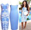 O vestido o mais atrasado projeta o vestido azul do baile de finalistas da impressão das cintas das mulheres