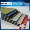 Unterschiedliche Farbe des Acrylpanels und DES Belüftung-steifen Blattes