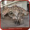 Het stadium toont het Levensgrote Realistische Kostuum van de Dinosaurus