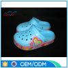 カップルのための最新のベストセラーのスニーカーの方法LED靴