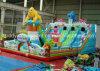 Как скольжение самой новой раздувной игрушки оживлённое для парка атракционов