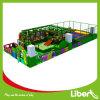Campo de jogos interno da ginástica da selva com área do Trampoline