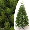 شجرة اصطناعيّة لأنّ عيد ميلاد المسيح
