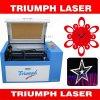 Máquina de estaca Desktop da gravura do laser do mini CO2 para o triunfo pequeno de madeira de borracha do gravador do cortador do laser