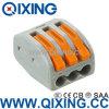 Empurrar de conetor de cabo elétrico a porca do fio