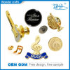 La Chine Wholesale Diecast Hollow dehors Zinc Alloy Gold Plating Hard Enamel Music Badge Pins