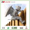 Estatuilla del Gargoyle de la resina del bestseller que sube para la decoración de Hanger&Garden del crisol