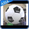 サッカーボールのロゴの印刷を用いる膨脹可能なヘリウムの気球を広告する膨脹可能で大きいフットボールの気球のヘリウムの気球のフットボール
