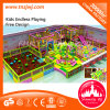 Campo de jogos interno do castelo plástico brilhante do cabrito