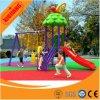 多彩な子供のスライドが付いている屋外のプラスチック運動場装置