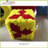正方形の形の装飾的な花の球