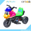 La bici encantadora del motor eléctrico del pato embroma el coche del juguete de la motocicleta