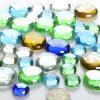 Gefärbt ringsum die Kristallglas-Raupe-Landschaftsgestaltung