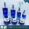 bouteilles en verre cosmétiques colorées bleues et chocs en verre cosmétiques