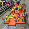 Cidade inflável do divertimento para o jogo das crianças