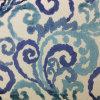 Cortar la tela de tapicería del sofá de la silla del terciopelo de la pila