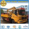 La vente chaude 4*2 LHD Rhd 6 tonnes de grue de camion de charge a monté avec la grue