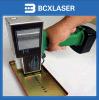 Impresora en línea de la fecha del código de barras de la insignia en el rectángulo del cartón/la impresora de inyección de tinta industrial para la botella de agua del rectángulo del cartón