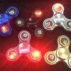 LEDはBluetoothのスピーカーの落着きのなさ手指の紡績工をつける