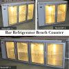 Sob um refrigerador contrário da barra de 3 portas