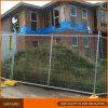 銀製のスプレーによって塗られるオーストラリアの一時塀