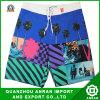 Shorts variopinti della spiaggia degli uomini con buona qualità