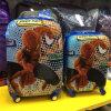 아이를 위한 만화 4 바퀴 여행 가방은 수화물을 굴러 아이들을 선회했다