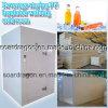 Bebida que armazena o quarto frio de passeio isolado plutônio